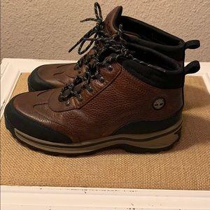 Beautiful Boots 🥾 (4.5)